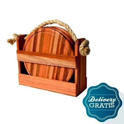 Imagen de Caja de madera con  4 platos + un mes de diarios de sábados y domingos